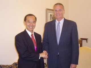 Minister_Shaking_Hands_with_James_Jones