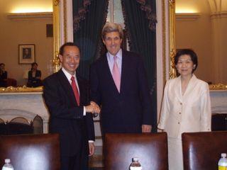 Minister_With_Senator_John_Kerry