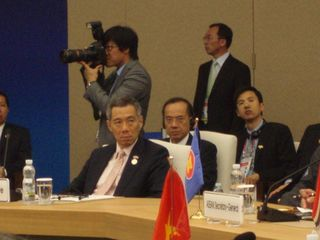 PM and Minister at Plenary