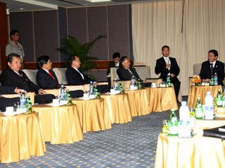 ASEAN FMs call on Thai PM Abhisit Vejjajiva
