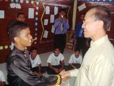 Min_meeting_boarding_school_student