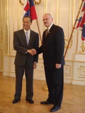 Minister_and_slovak_president_dr__2